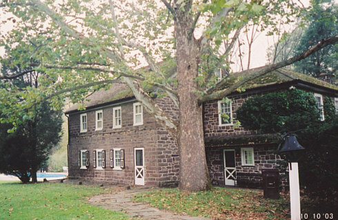 Photo of the Kuster House as it appears today (10/03)